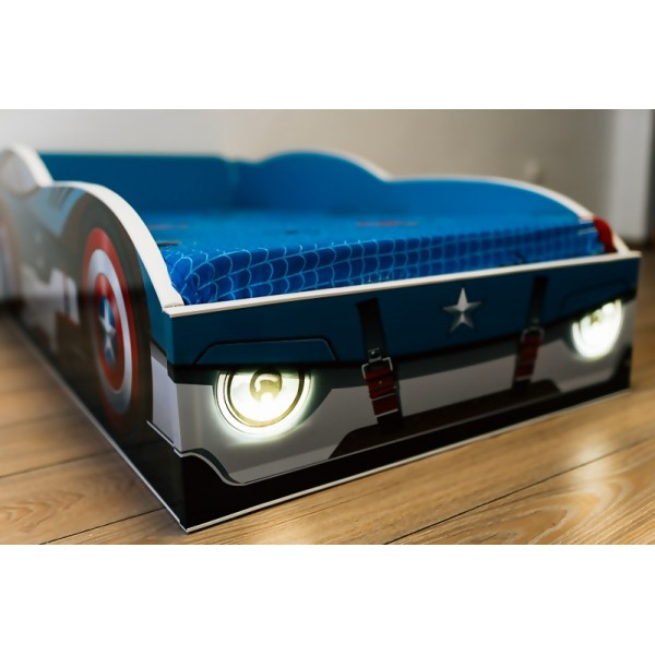 Pat masina Captain America cu lumini